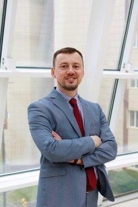 Roman Sh. Aupov